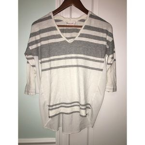Vince Camuto mid sleeve blouse size S
